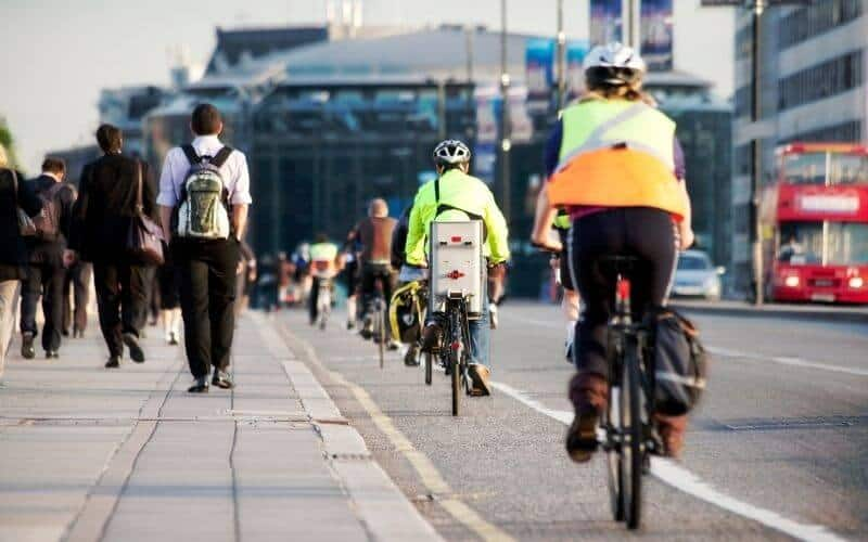 Morning commute with cyclists